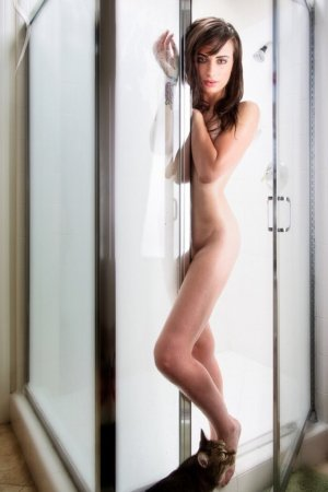 Annyvonne escorts