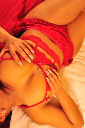Noemy asian live escorts